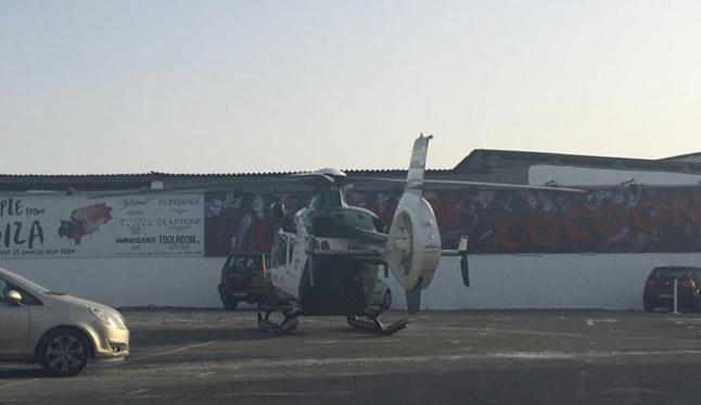 Parte de los agentes han llegado al establecimiento procedentes de fuera de la isla y a bordo de un helicópter